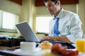 Çalışanlar iş yaşamında performanslarını artırmak için nasıl beslenmeli?