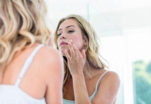 Kilo Verirken Yüzünüzün Çökmemesi, Cildinizin Kırışmaması ve Vücudunuzun Sarkmaması için Ne Yapmanız Gerektiğini Biliyor musunuz?