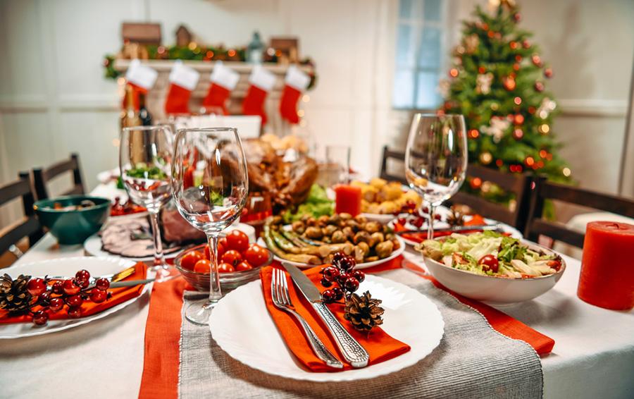 """""""Yılbaşı Gecesini Evde Geçirmenin Keyfi Bir Başkadır"""" Diyenler için Sağlıklı Öneriler"""