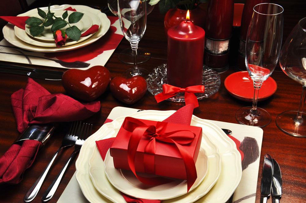 Evde Baş Başa Bir Sevgililer Günü